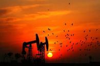 供应美元双重压力下 油价测试2016年低位