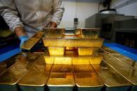 贸易战交织潜在加息预期 黄金多空争夺激烈