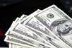 """三颗""""债务炸弹""""嗡嗡作响,或引爆美国财政体系"""