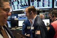 地缘危机减轻美股周一大幅收涨 利空接踵美元下跌逾0.4%