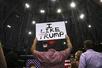 """特朗普的""""逆袭"""":民调支持率冲至新高 持平奥巴马同期"""