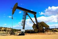API原油库存超预期大降922万桶,美油飙升逾4%