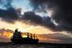 API原油库存意外增加62.9万桶,油价短线快速下跌