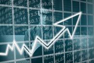 鲍威尔鸽派言论推动美股上涨 道指涨620点纳指升3%