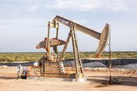 """原油技术分析:走出更大""""上升楔形"""" 初步支撑于56.20"""