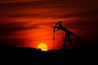 两利好抵消EIA数据利空,美油涨逾2%收复57关口