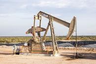 预期原油库存增加且经济数据疲弱,美油跌近2%止步四连阳