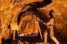 贵金属遭遇一轮抛售 但金价似乎不太可能大幅下跌