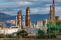 油市供过于求或将长期存在 油价继续走低。