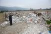 福州长乐:建筑垃圾破坏大片农田和堵塞河道